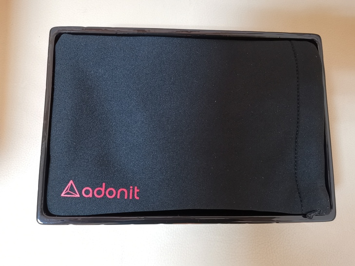 Adonit無線充電藍牙握把PhotoGrip Qi:功能三合一、拍照更便利  - 4
